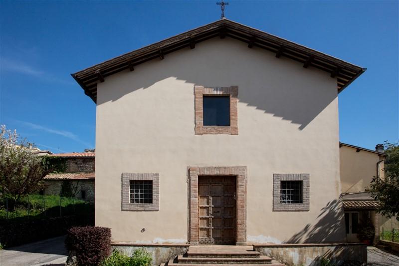 Casale di Scopoli - chiesa 1